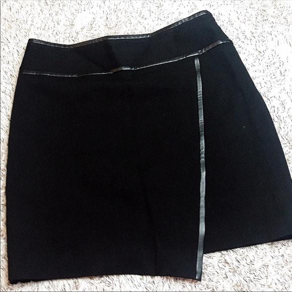 White House Black Market Dresses & Skirts - Black Skirt - size 4